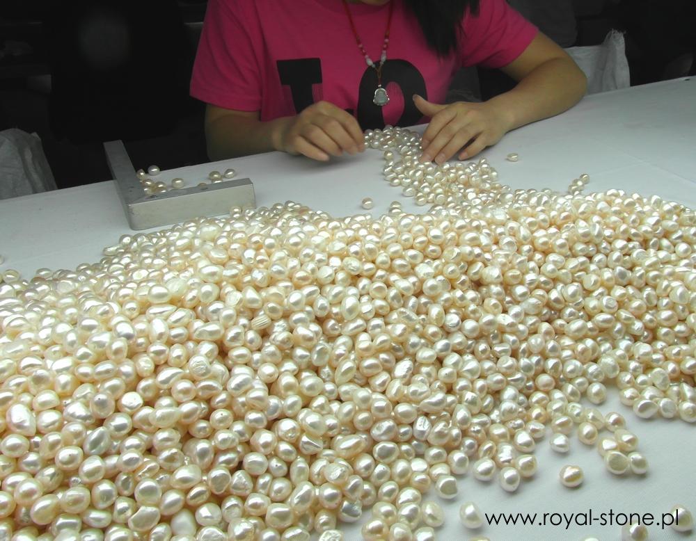 Przygotowywanie pereł Royal-Stone