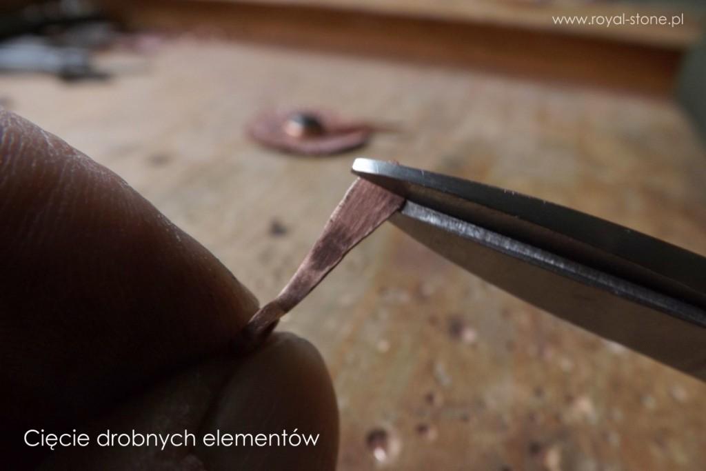 15_cięcie_nożycami_drobnych_elementów