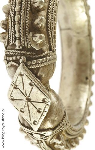 Elżbieta_Dzikowska_Biżuteria_świata_008_Bernardinum_Royal-Stone