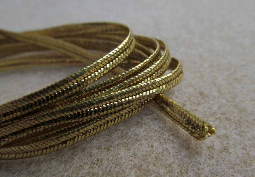 Pega - sznurek metalizowany gładki