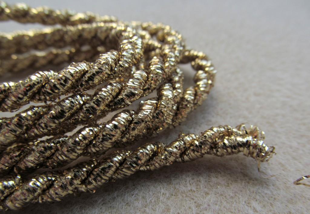Sznurek skrecany metalizowany