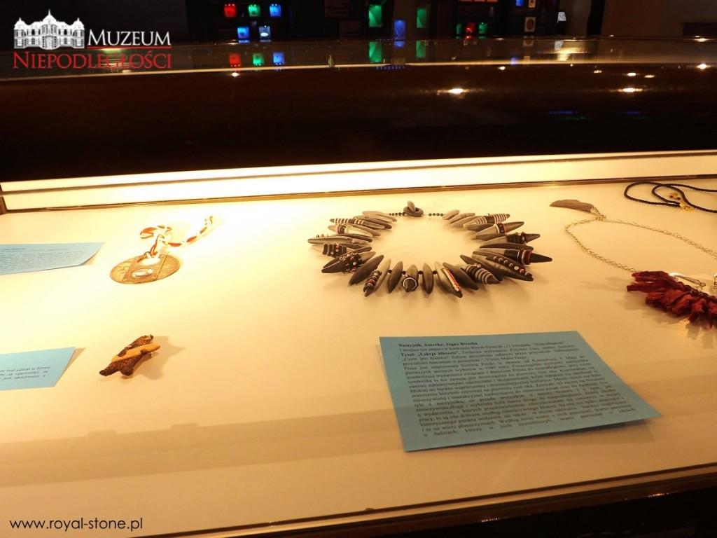 biżuteria_patriotyczna_wystawa_muzeum_niepodległości_02