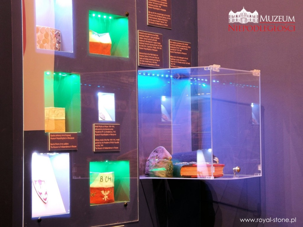 biżuteria_patriotyczna_wystawa_muzeum_niepodległości_08