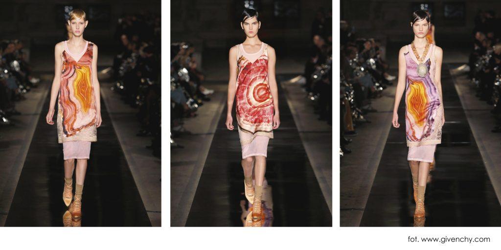 Agatowe wzory na sukienkach Givenchy