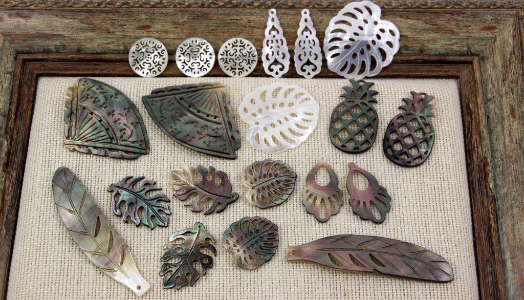 Zawieszki z masy perłowej monstera, wachlarz, liście