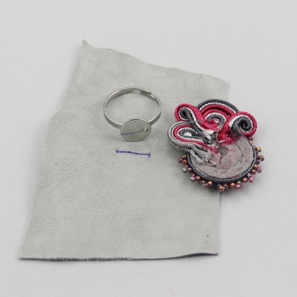 Podklejanie bazy pierścionka