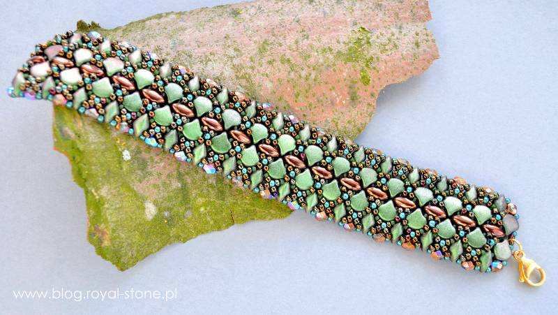 Elegancka bransoleta wypleciona z koralików czeskich w różnych kształtach - tutorial krok po kroku na bransoletkę koralikową.