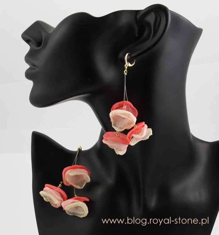Kolczyki kwiatki z szyfonowych płatków na lince jubilerskiej royal-stone.pl