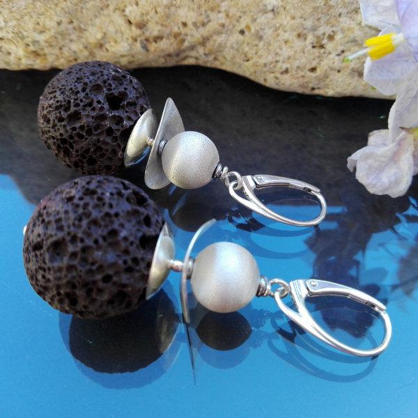 Kolczyki bigle angielskie czarna lawa i perły