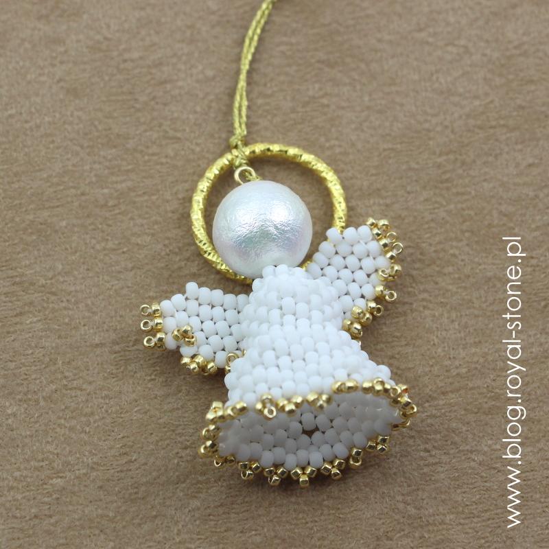 Aniołek z koralików na choinkę - ozdoba choinkowa