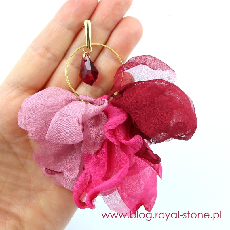 Kolczyki z Baroque Pendant Swarovski i szyfonowymi kwiatkami.